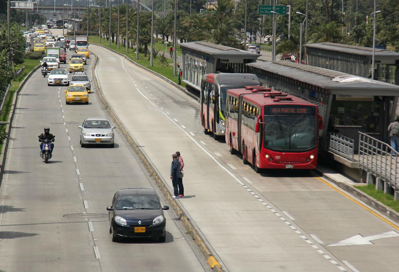 Atraco Masivo En Transmilenio Esta Vez En La Estacion Calle 26 La Fm