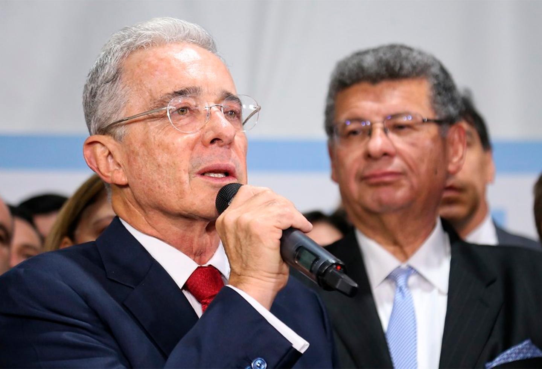 Uribe salió en defensa de Guillermo Botero y aseguró que él no sabía sobre niños en campamento - La FM