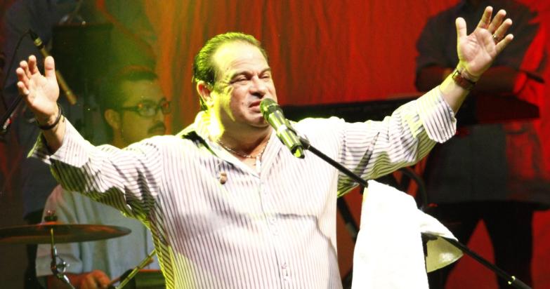 Cantante Tony Vega hospitalizado de urgencia tras cirugía a corazón abierto | La FM