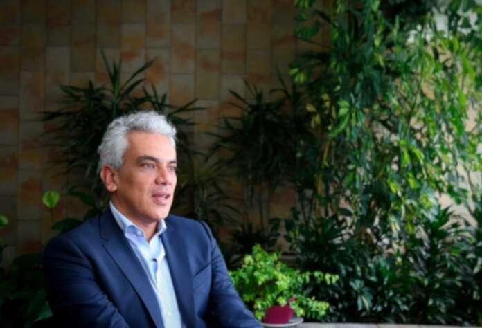 Liberales piden renuncia de Ricardo Lozano   La FM