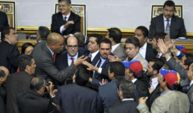160106000228_venezuela_asamblea_8_624x351_afp_nocredit.jpg