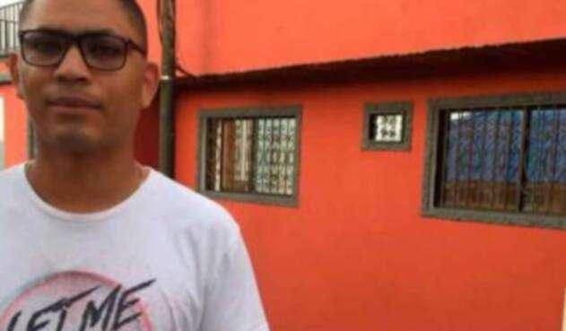 Aliens Vega, profesor en Puerto Valdivia (Antioquia) y uno de los afectados por crisis de Hidroituango