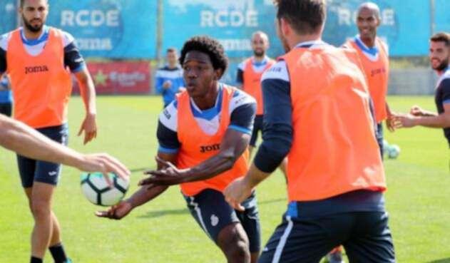Cárlos Sánchez en un entrenamiento del Espanyol