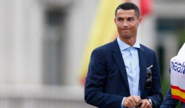 Cristiano Ronaldo celebrando en Cibeles (Madrid)