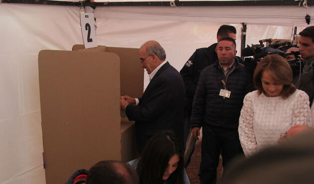 El candidato liberal Humberto De la Calle