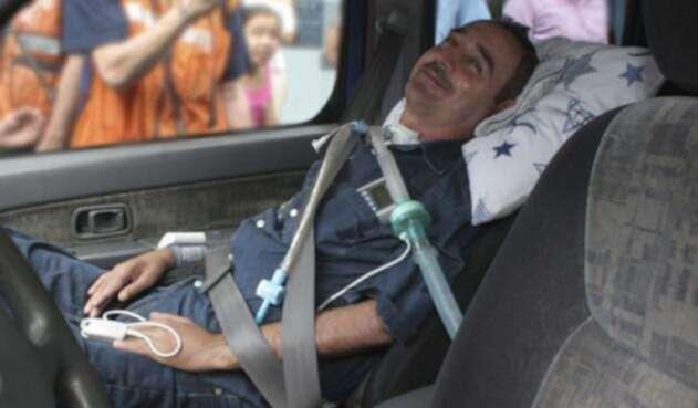 El profesor Luis Fernando Montoya está tetrapléjico a raíz de un disparo recibido en un asalto el 22 de diciembre de 2004 / Colprensa