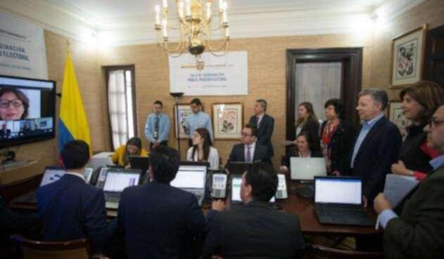 La Cancillería atenta a las elecciones en el exterior