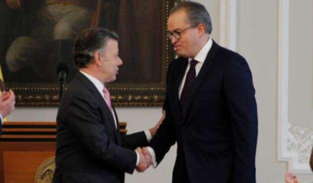El presidente Santos y el procurador Carrillo