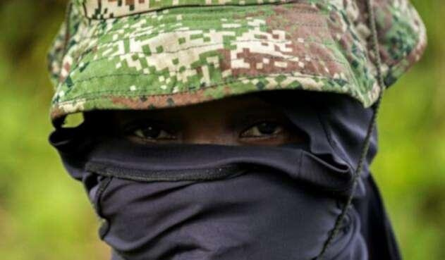 Un guerrillero en las selvas de Colombia