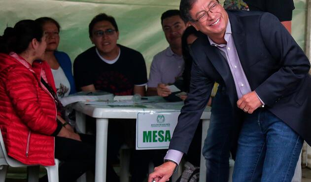 Gustavo Petro ejerciendo su derecho al voto, el 27 de mayo de 2018