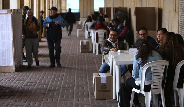 Colombianos ejerciendo su derecho al voto en la primera vuelta de las elecciones presidenciales 2018 / Inaldo Pérez, LA FM