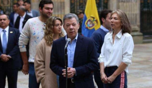 El presidente Juan Manuel Santos habló tras depositar su voto