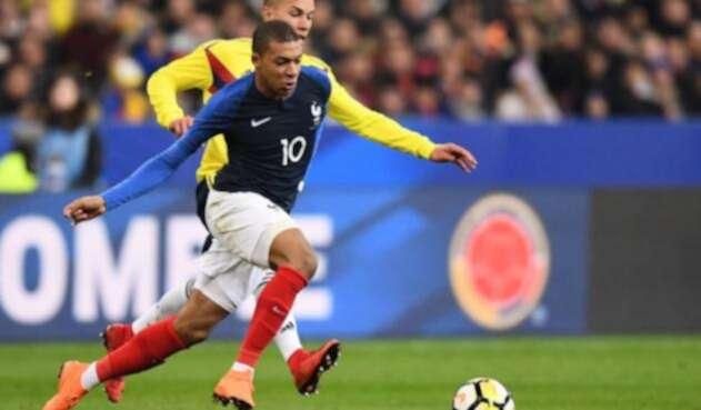 Mbappé durante un amistoso contra Colombia
