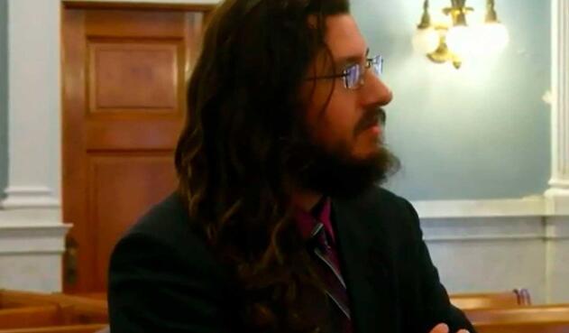 Michael Rotondo, hombre de 30 años que no quiere irse de la casa de sus padres