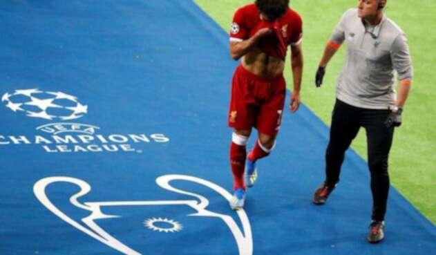 Mohamed Salah llora tras salir del campo de Kiev