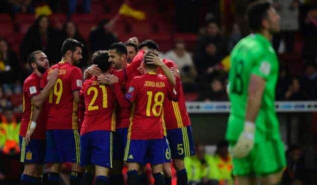 La Selección de España celebrando un triunfo.