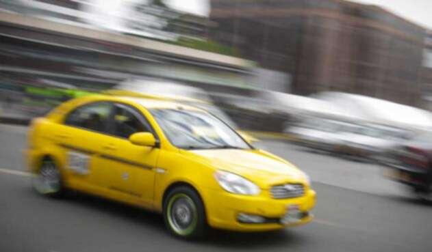 Taxistas esperan ampliación de plazo para implementar tablets