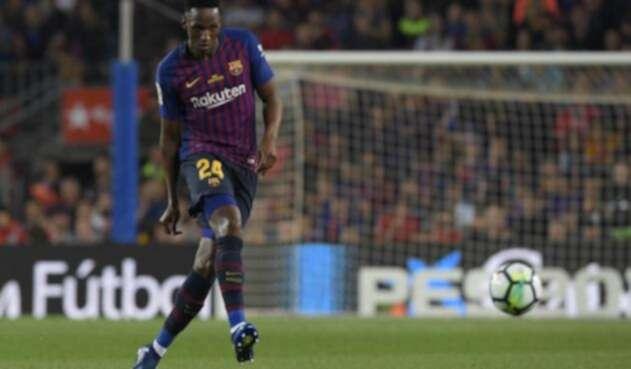 Yerry Mina en el último partido de Andrés Iniesta con el Barcelona.