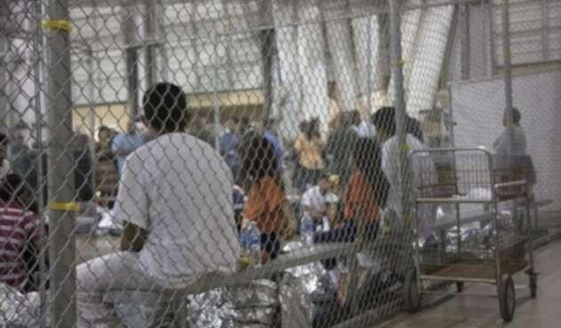 Migrantes centroamericanos en frontera de EE.UU.