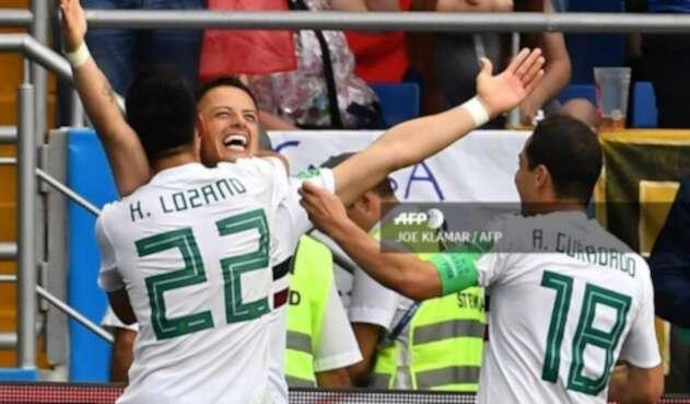 Chicharito celebrando su primer gol en Rusia 2018