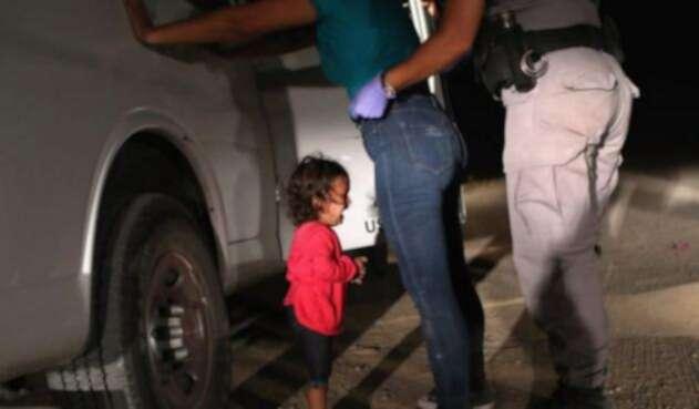 Niños separados de sus padres inmigrantes en la frontera de EE.UU.