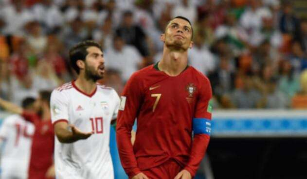 Cristiano Ronaldo se lamenta por desperdiciar un penal en el partido de Portugal ante Irán