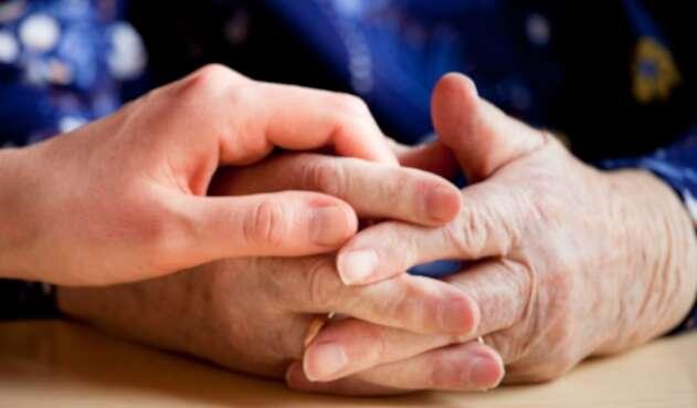 Las personas que laboren de manera temporal en un cargo público no son cobijadas por la ley que elevó de65 a 70 años la edad de retiro forzoso.