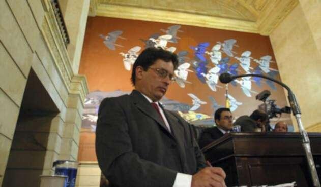 Carrasquilla hizo parte de la administración de Álvaro Uribe