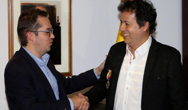 Alejandro Villalobos y Juan Sebastián Roz, Ministro de las TICS