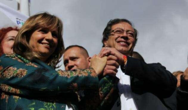 Ángela María Robledo, una mujer, es la fórmula vicepresidencial de Gustavo Petro