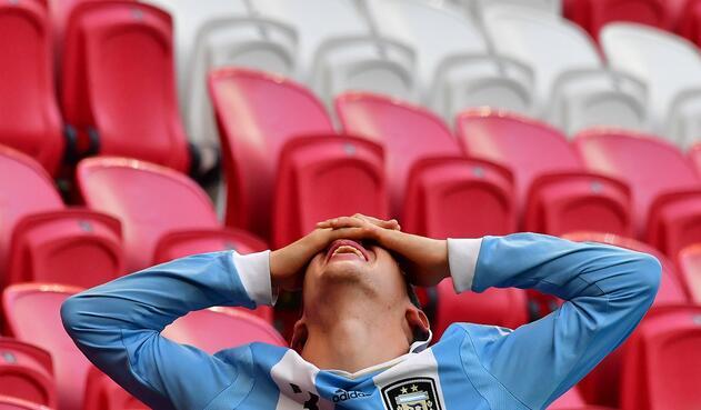 Hincha de Argentina lamenta la derrota