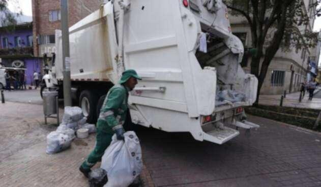 Recolectores de basuras en la ciudad