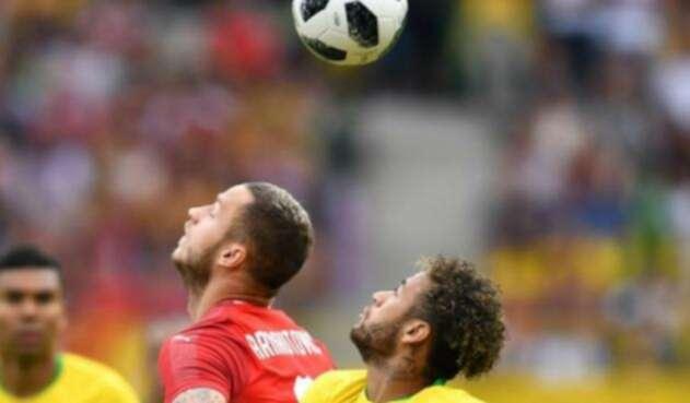 Neymar retornó a la titular de Brasil