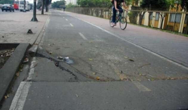Hay ciclorutas que tienen huecos iguales o peores que las vías vehiculares de la capital.