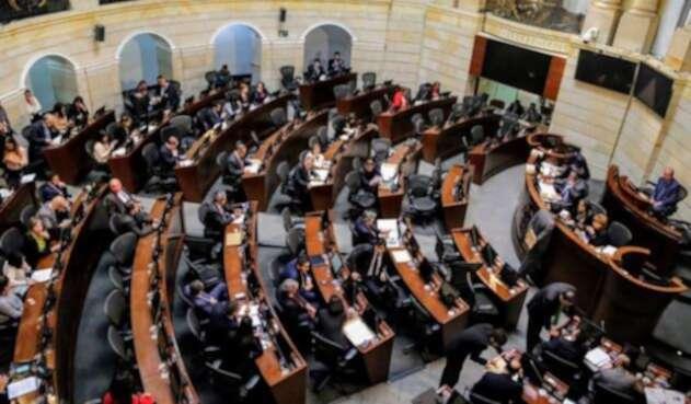 Las plenarias de Senado y Cámara aprobaron en último debate el proyecto de ley de sometimiento a las Bacrim
