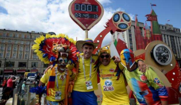 Miles de aficionados llegaron a Moscú para lucir con pasión el amarillo, azul y rojo de la bandera de Colombia
