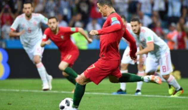 Cristiano Ronaldo tras anotarle a España
