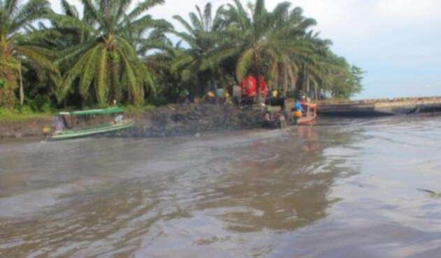 Ecopetrol confirmó reparación del tubo que generó vertimiento de crudo sobre el Magdalena