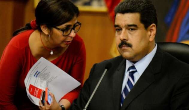 Delcy Rodríguez junto a Nicolás Maduro