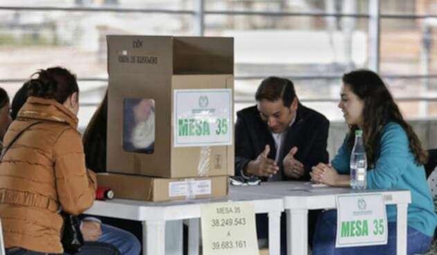 Se abrieron las urnas para la segunda vuelta presidencial