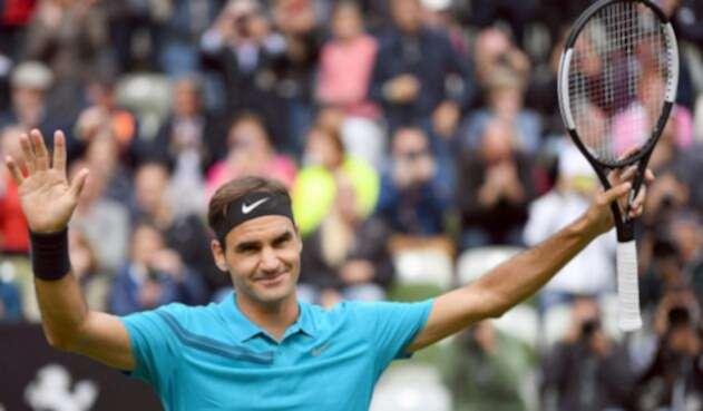 Federer volvió a las canchas tras tres meses de para