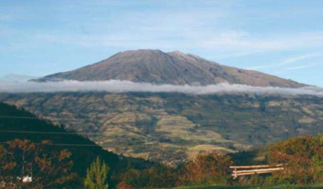 El volcán Galeras ha presentado reciente actividad sísmica