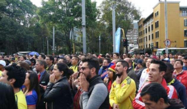 Así estuvieron los hinchas de la Selección Colombia alentando en Bogotá al equipo