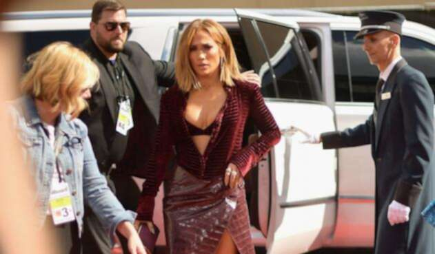La cantante Jennifer Lopez, bella y sensual