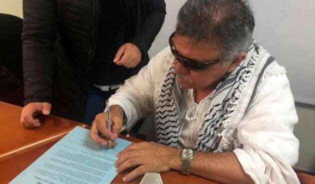 Jesús Santrich, integrante de las Farc, en Bogotá
