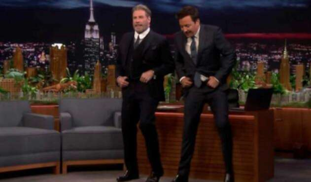 John Travolta y Jimmy Fallon bailando