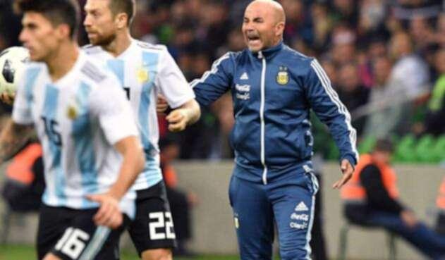 Jorge Sampaoli en un partido con Argentina