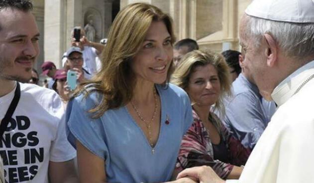 Lorena Meritano con el Papa Francisco