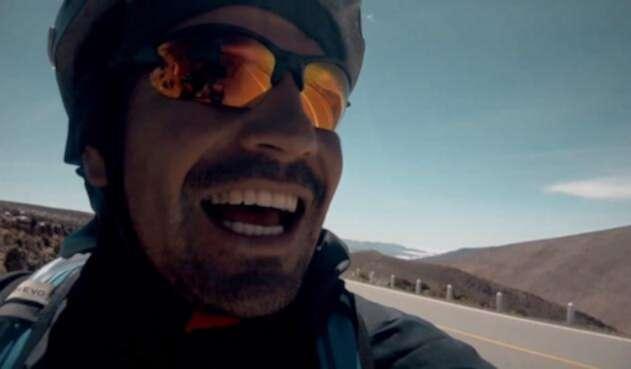 Lucas Ledezma viajó a Rusia desde Argentina en bicicleta