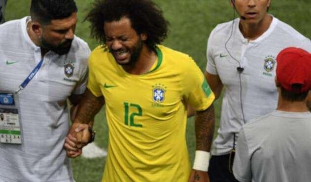 Marcelo tuvo que dejar el juego ante Serbia por una molestia en su espalda